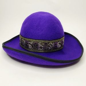 Street Smart by Betmar Embroidered Wool Felt Hat